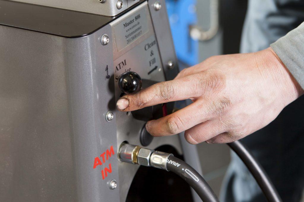 Stap voor stap automaatbak spoelen flushen
