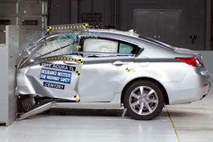 Dure Duitse auto's zakken voor crashtest VS