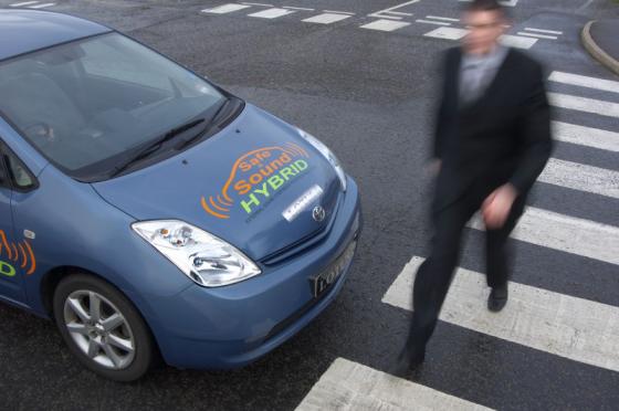 EU wil luidere elektroauto's, stillere andere auto's