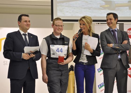 Koen Hendrickx wint 'Gouden Autosleutelhanger