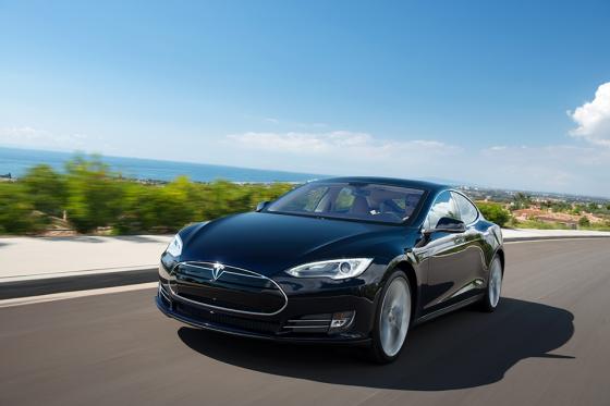 Tesla stunt met snelladers in Noord-Amerika