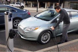 Elektrische Ford Focus op de lopende band