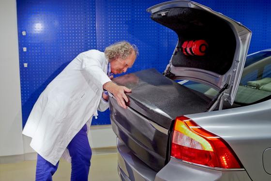 Volvo maakt accu in carrosserie