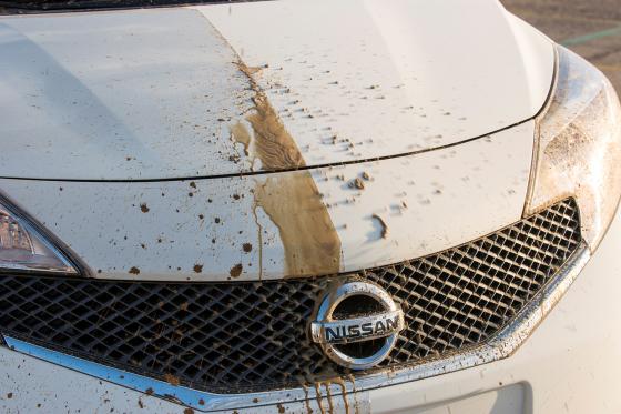 Zelfreinigende Nissan stoot vuil af