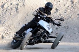 Motorfiets-spektakel met Brudeli Leanster