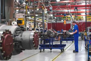 DAF legt productie langer stil