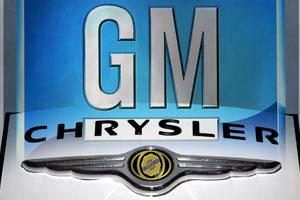 Chrysler stopt productie en praat met GM over fusie
