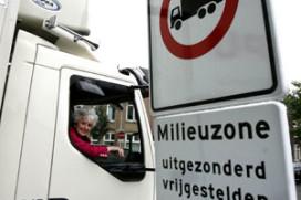 Vuile vrachtwagens niet meer welkom in Amsterdam