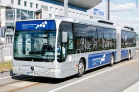 Mercedes-Benz hybride stadsbus in bedrijf