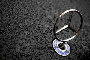 Daimler diep in het rood