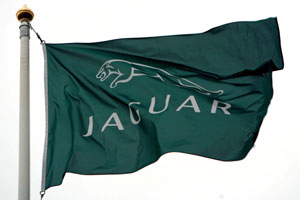 Land Rover neemt Jaguar Nederland over