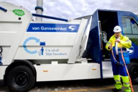 Elektrische vuilniswagen maakt Rotterdam schoon