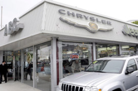 Chrysler wil in VS van honderden dealers af