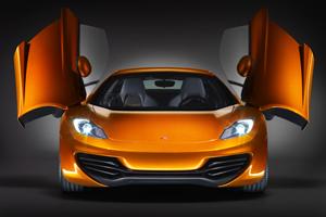 McLaren maakt indruk met MP4-12C supersportwagen