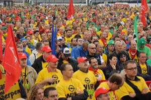Europese solidariteitsactie bij Opel in Antwerpen
