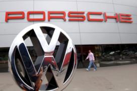 VW koopt de helft van aandelen Porsche