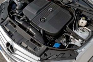 Nieuwe viercilinder diesel debuteert in Mercedes C (2008-11)
