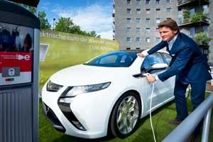 Minister: elektrische auto verder vernieuwen