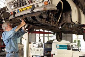 Wind Classics verkoopt en repareert Renault's 4 (2010-6)