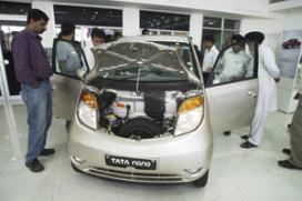 Verkoop 's werelds goedkoopste auto keldert