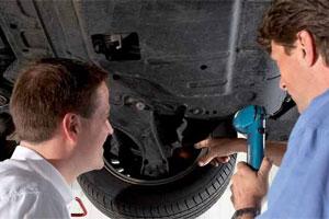 Corbo houdt autotechnicus aan de brug (2010-9)