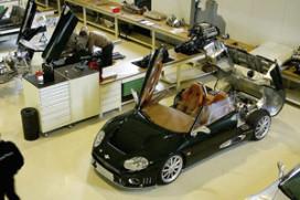Spyker van plan sportwagentak te verkopen