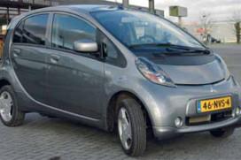 Eerste moderne elektrische serieauto Mitsubishi i-MiEV (2011-2)