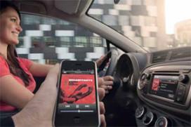 Mogelijkheden en gevaren van de 'online' auto (2011-10)