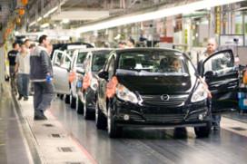 GM ziet winst zakken