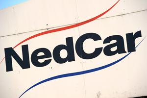Personeel NedCar legt werk neer