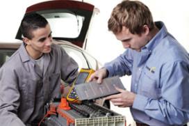 Innovam adviseert bij APK aan elektro- en hybridevoertuigen