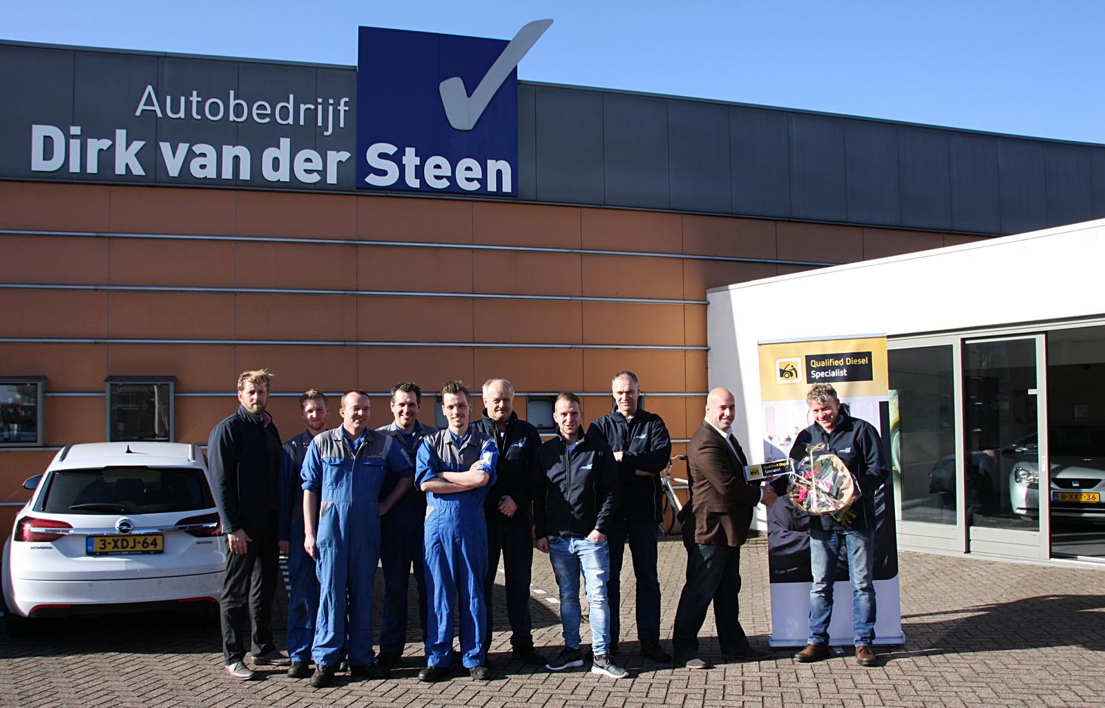 Van Der Steen Limmen.Tweehonderdste Qualified Diesel Specialist Amt