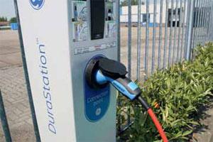 Aantal laadpalen groeit harder dan aantal elektrische auto's (2012-6)