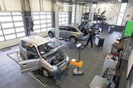 Autobedrijf Ferdy Snijders investeert en motiveert (2013-4)