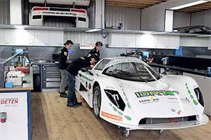 Bas Koeten Racing ondersteunt IDRT bij revisie Saker (2013-7/8)