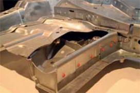 Lichte techniek geeft Mercedes-Benz C-Klasse verjongingskuur (2013-11)
