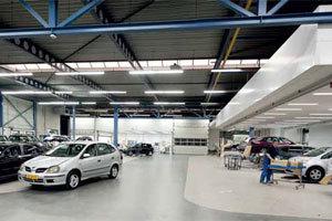Ambting combineert universeel autobedrijf en schadeherstel (2011-12)