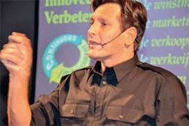 Automaterialengrossier Sergoyne coacht zijn klanten (2014-3)