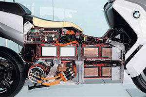 BMW E-scooter haakt aan bij i3 en i8
