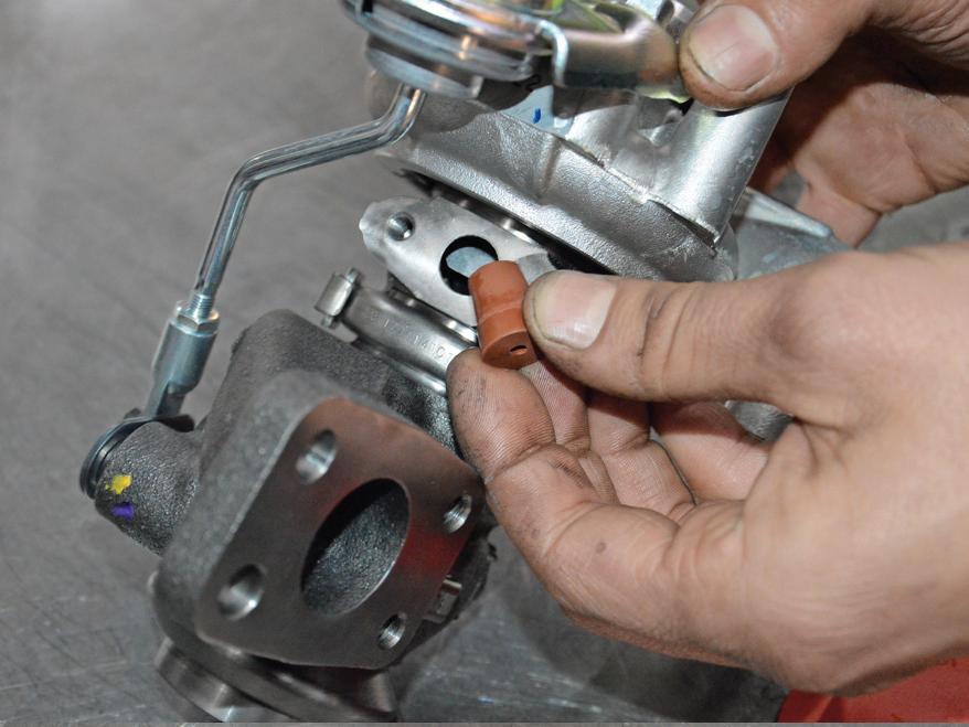 Stap voor stap: turbo vervangen - AMT