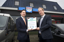 Bosch Car Service bedrijven ontvangen certificaat Erkend Duurzaam