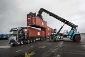 Video: Kan een Volvo 750 ton trekken?