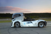 Volvo Trucks verbreekt twee snelheidsrecords
