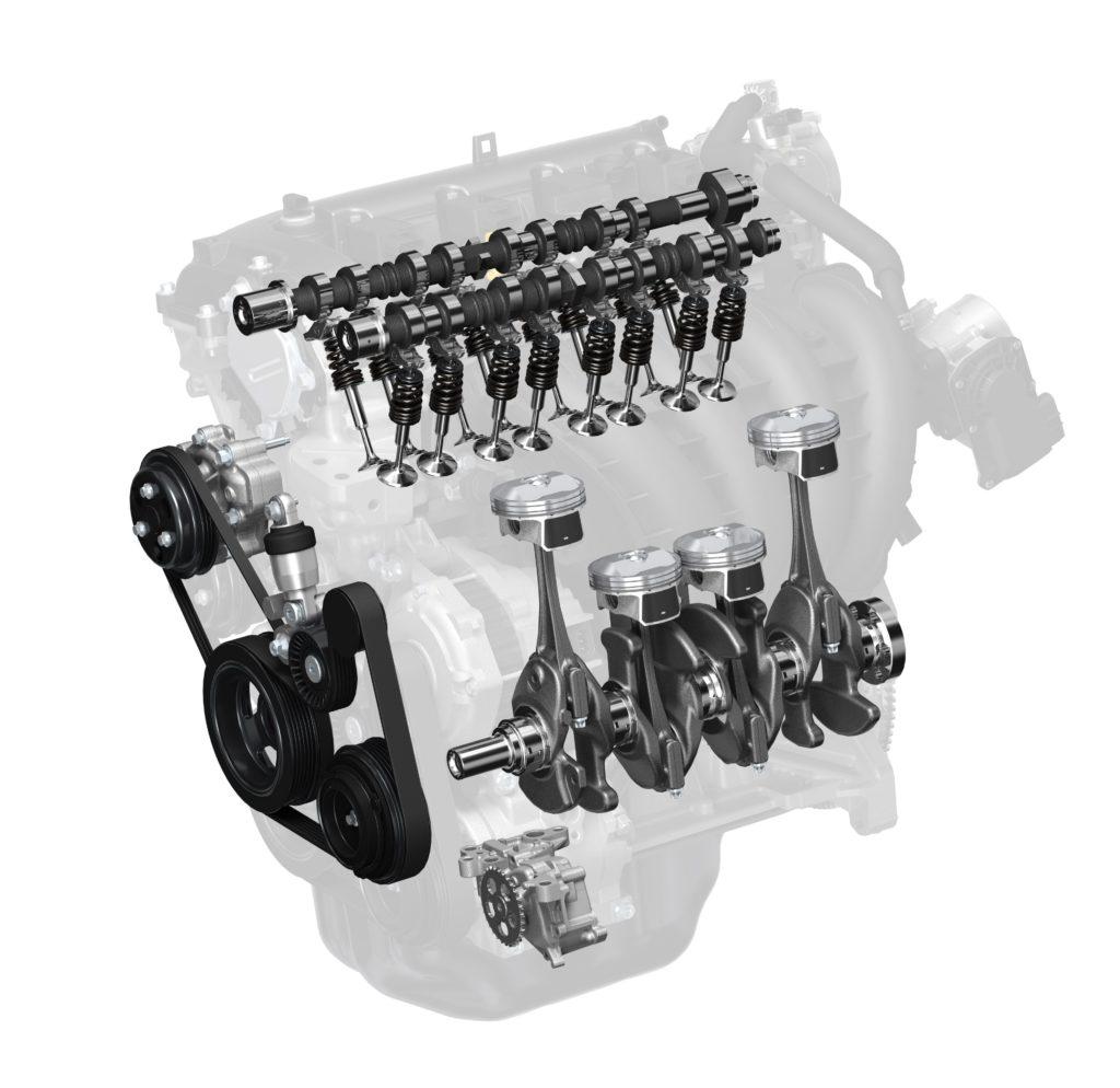 De tweede generatie SkyActiv-G-motor komt eraan. Die springt nog weer een stuk efficiënter met brandstof om dan de huidige. Om dat te bereiken verhoogt Mazda de compressieverhouding naar 18:1 en kijken de bougies grotendeels werkloos toe.