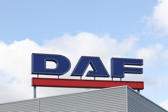 Minder winst voor moederbedrijf DAF