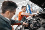 Hoe ervaren autotechnici de werkdruk?
