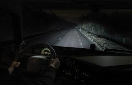 Volvo Trucks nachtmodus maakt rijden in het donker veiliger