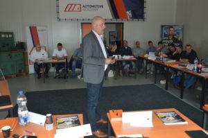 """Hans Zonneveld coacht de Grip-deelnemers: """"Hoe is het gegaan in jouw bedrijf?"""""""