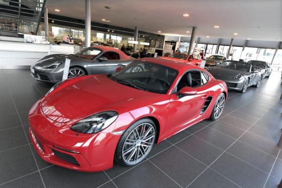Porsche is een merk met hoogwaardige techniek en veeleisende klanten. De werkplaatsprocessen zijn net zo strak georganiseerd als de showroom.