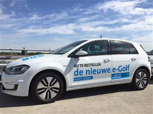 """De inzet van een elektrische leen- en huurauto bij Volkswagen- en Audi-dealer Van den Udenhout is logisch. Het bedrijf verkoopt tenslotte zelf ook de ev-uitvoeringen van de Golf en Up!. """"Het is ook positief voor ons imago"""", zegt Roel van Tongeren, e-coördinator bij deze dealer."""